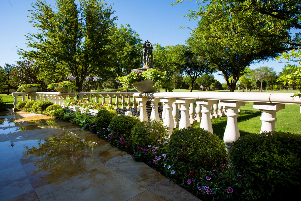 Landscapes extreme exteriors for Landscaping rocks midland tx
